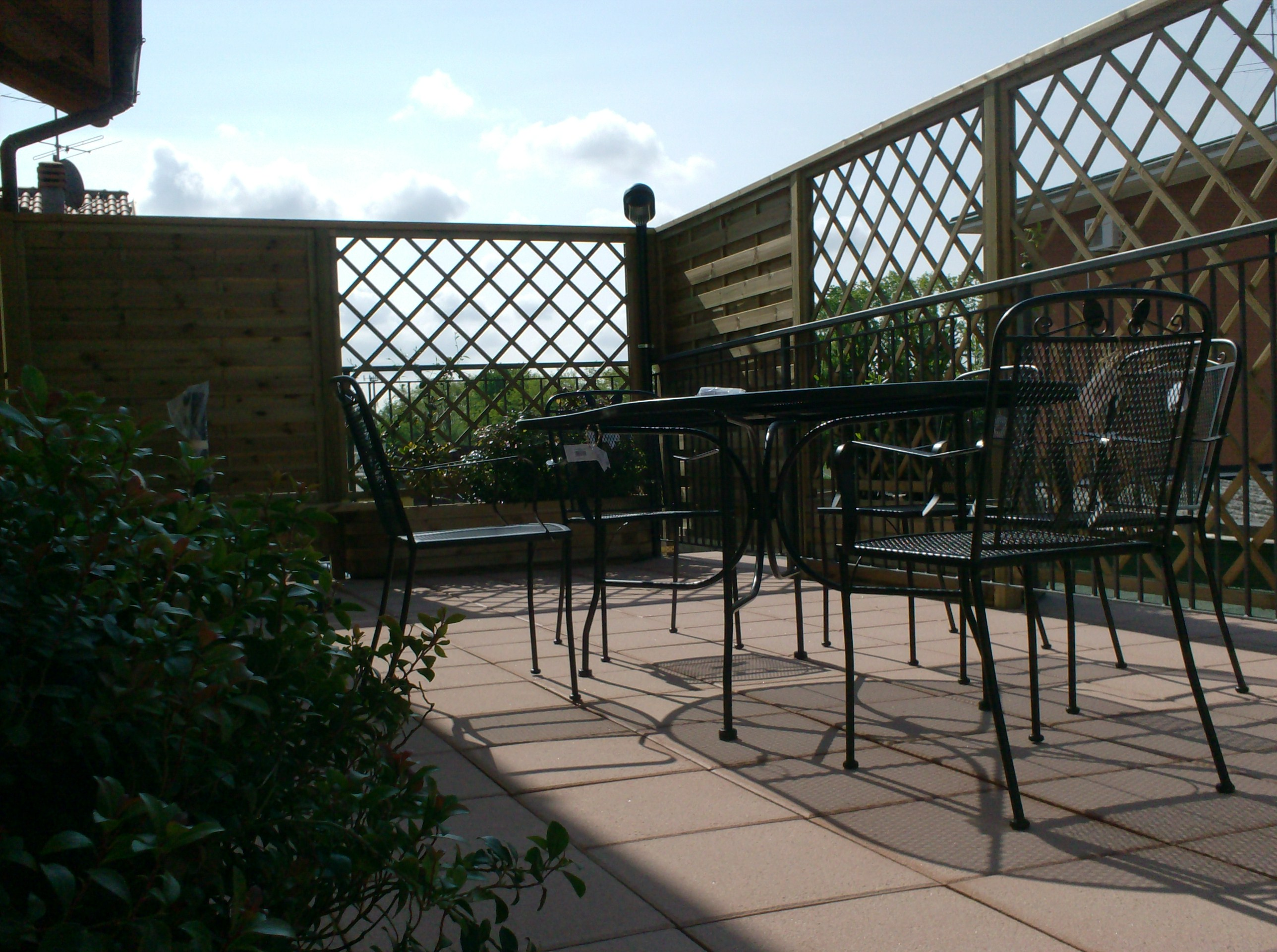 Fioriere grigliati su misura e lavori speciali in legno la tartaruga - Recinzione terrazzo ...